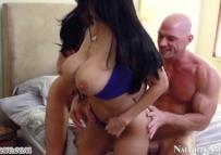 Incesto em sexo grupal com a irmã e a namorada
